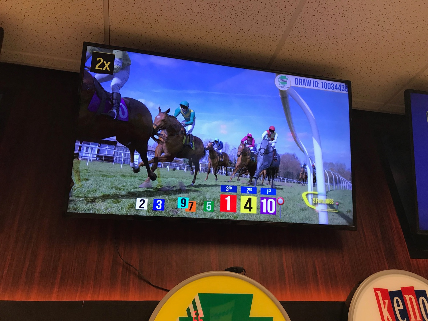 "<a href=""https://filesource.wostreaming.net/commonwealthofpa/photo/17265_Lottery_Derby_Cash_NK_001.JPG"" target=""_blank"">⇣ Download Photo<br></a>The Pennsylvania Lottery today launched Derby Cash Horse Racing, a new and highly anticipated virtual horse racing game that will have players on the edge of their seats. Every five minutes, players have the chance to win up to $800,000 on a $1 play. Purchases can be made anywhere Lottery games are sold and races can be watched at nearly 2,000 of the Lotterys retailers, mainly at bars and restaurants."