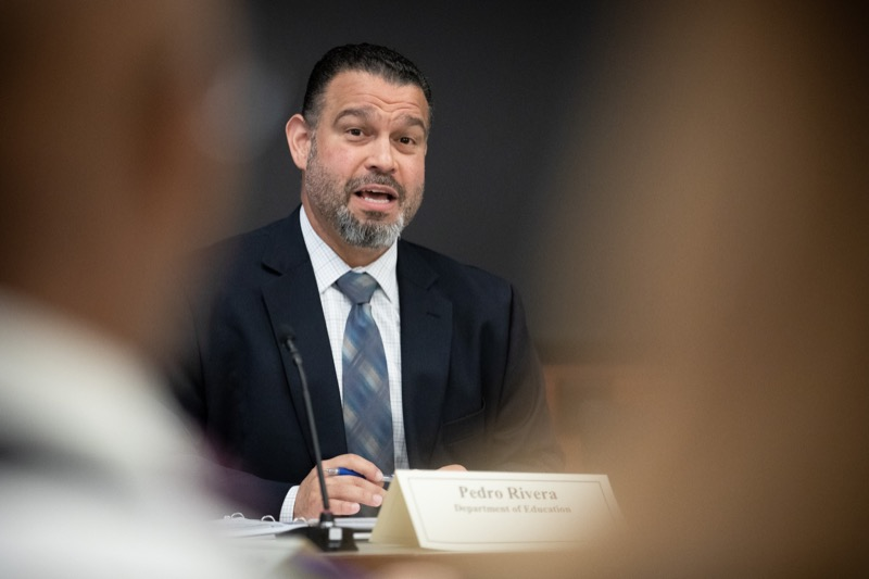 "<a href=""https://filesource.wostreaming.net/commonwealthofpa/photo/17380_dhs_first_lady_college_dz_007.jpg"" target=""_blank"">⇣ Download Photo<br></a>Harrisburg, PA  Education Secretary Pedro Rivera speaking to community members gathered at the  Roundtable.  First Lady Frances Wolf today hosted a roundtable discussion with Education Secretary Pedro Rivera, Human Services Secretary Teresa Miller, higher education professionals, students, and anti-hunger advocates to discuss ways to address hunger and food insecurity on college campuses. Wednesday, September 11 2019"