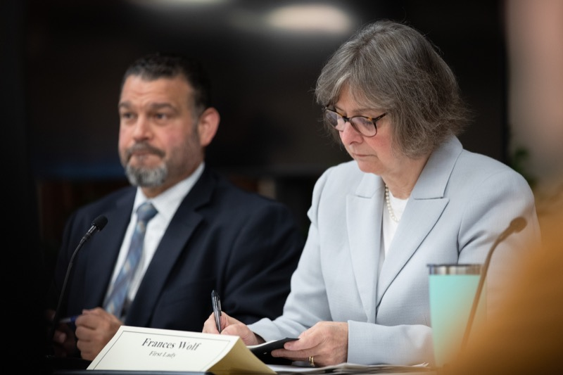 "<a href=""https://filesource.wostreaming.net/commonwealthofpa/photo/17380_dhs_first_lady_college_dz_017.jpg"" target=""_blank"">⇣ Download Photo<br></a>Harrisburg, PA First Lady Frances Wolf taking notes at the  Roundtable. First Lady Frances Wolf today hosted a roundtable discussion with Education Secretary Pedro Rivera, Human Services Secretary Teresa Miller, higher education professionals, students, and anti-hunger advocates to discuss ways to address hunger and food insecurity on college campuses. Wednesday, September 11 2019"