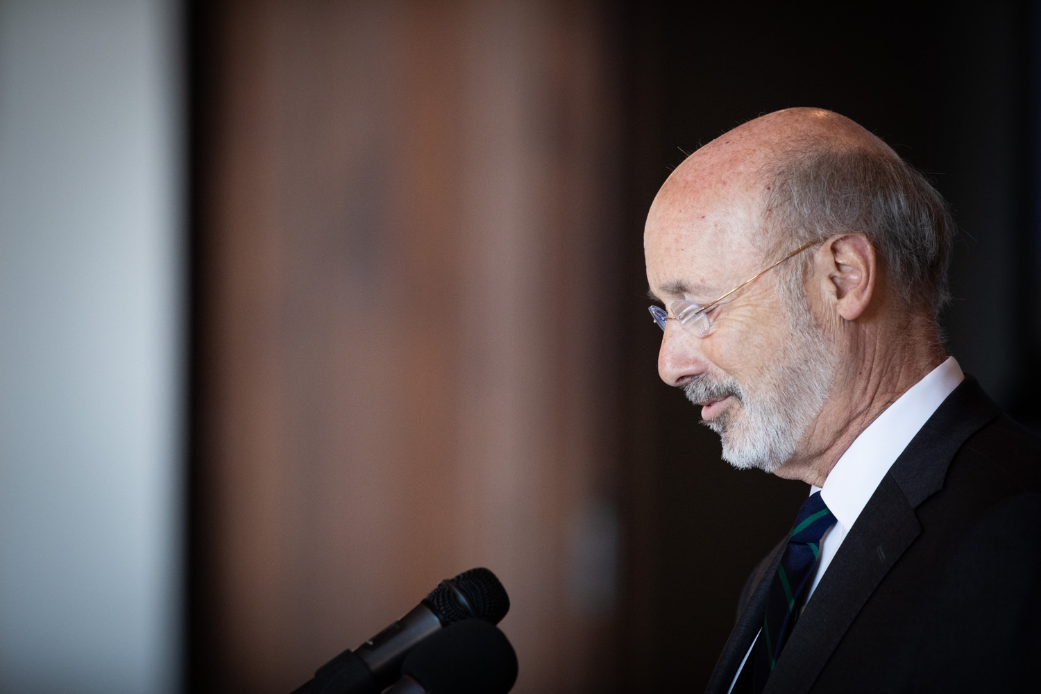 """<a href=""""https://filesource.wostreaming.net/commonwealthofpa/photo/17467_gov_opioids_dz_007.JPG"""" target=""""_blank"""">⇣Download Photo<br></a>Boalsburg, PA  Governor Tom Wolf addressing the summit. Governor Tom Wolf today kicked off his administrations first Opioid Command Center Opioid Summit: Think Globally, Act Locally, which brought together 200 individuals helping their communities fight the opioid crisis, including community organizations, non-profits, schools, health care workers, addiction and recovery specialists, and families affected by the opioid crisis.  Tuesday, October 1, 2019"""