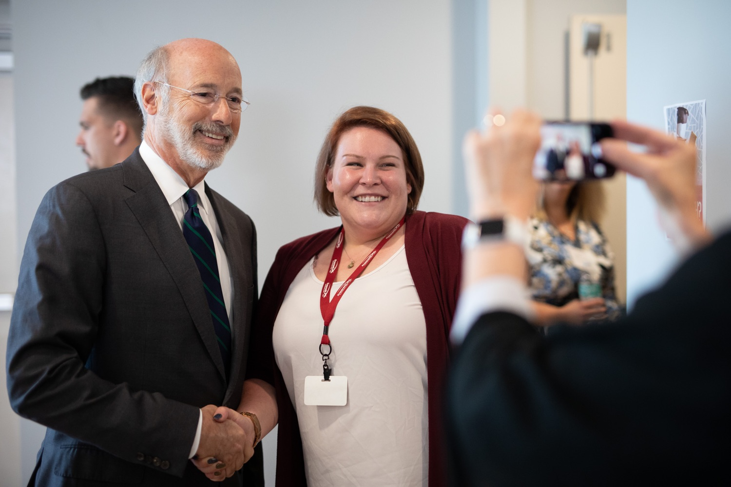 """<a href=""""https://filesource.wostreaming.net/commonwealthofpa/photo/17467_gov_opioids_dz_010.JPG"""" target=""""_blank"""">⇣Download Photo<br></a>Boalsburg, PA  Governor Tom Wolf posing for a photo with summit attendees. Governor Tom Wolf today kicked off his administrations first Opioid Command Center Opioid Summit: Think Globally, Act Locally, which brought together 200 individuals helping their communities fight the opioid crisis, including community organizations, non-profits, schools, health care workers, addiction and recovery specialists, and families affected by the opioid crisis.  Tuesday, October 1, 2019"""