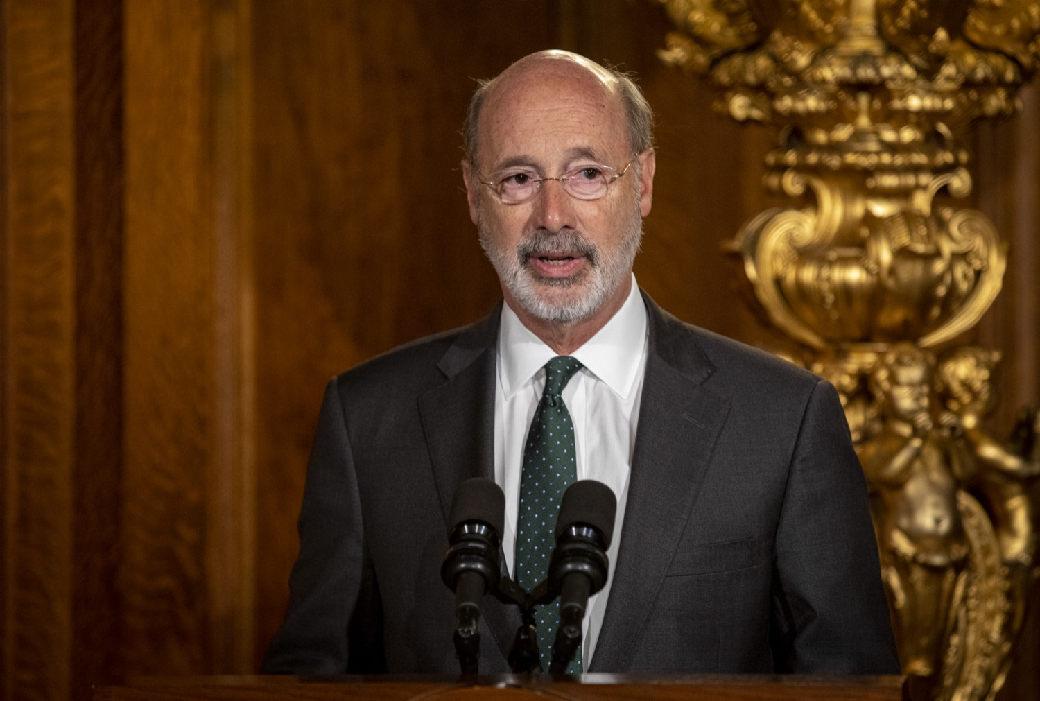 "<a href=""https://filesource.wostreaming.net/commonwealthofpa/photo/17469_GOV_ClimateChange_DE_006.jpg"" target=""_blank"">⇣ Download Photo<br></a>Governor Wolf Takes Executive Action to Combat Climate Change, Carbon Emissions"