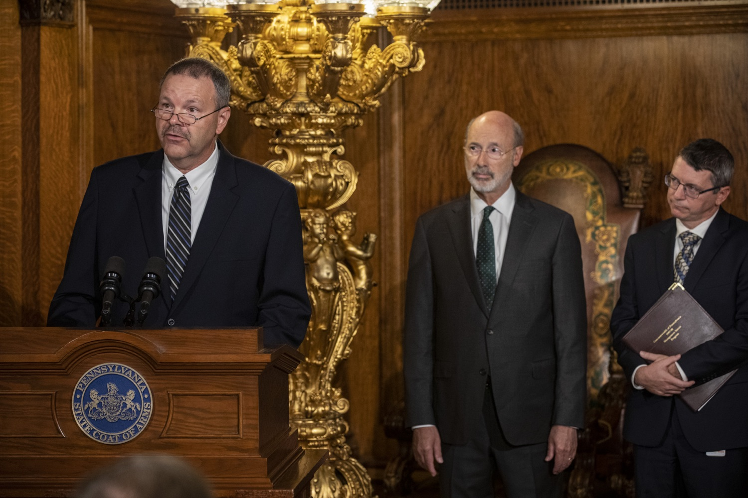 "<a href=""https://filesource.wostreaming.net/commonwealthofpa/photo/17469_GOV_ClimateChange_DE_009.jpg"" target=""_blank"">⇣ Download Photo<br></a>Governor Wolf Takes Executive Action to Combat Climate Change, Carbon Emissions"