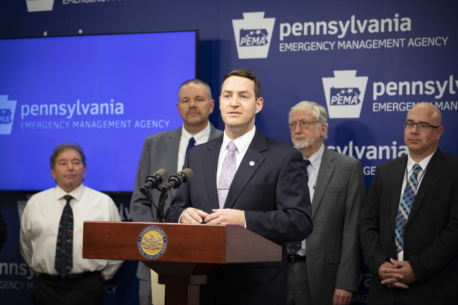 "<a href=""https://filesource.wostreaming.net/commonwealthofpa/photo/17500_pema_StormReady_cz_10.JPG"" target=""_blank"">⇣ Download Photo<br></a>State Meteorologist Jeff Jumper outlines the importance of Pennsylvania's StormReady status, in Harrisburg on November 20, 2019."