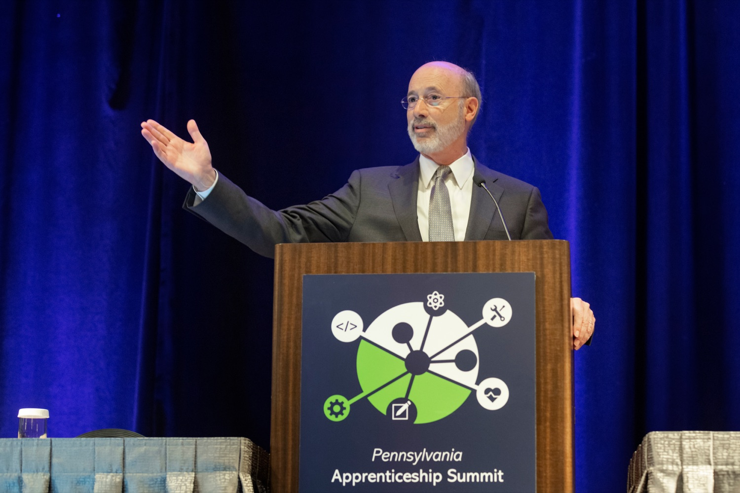 "<a href=""https://filesource.wostreaming.net/commonwealthofpa/photo/17520_LandI_Apprenticeships_NK_002.JPG"" target=""_blank"">⇣ Download Photo<br></a>Pennsylvania Governor Tom Wolf speaks during the 2019 Pennsylvania Apprenticeship Summit at Hershey Lodge on Thursday, October 31, 2019."