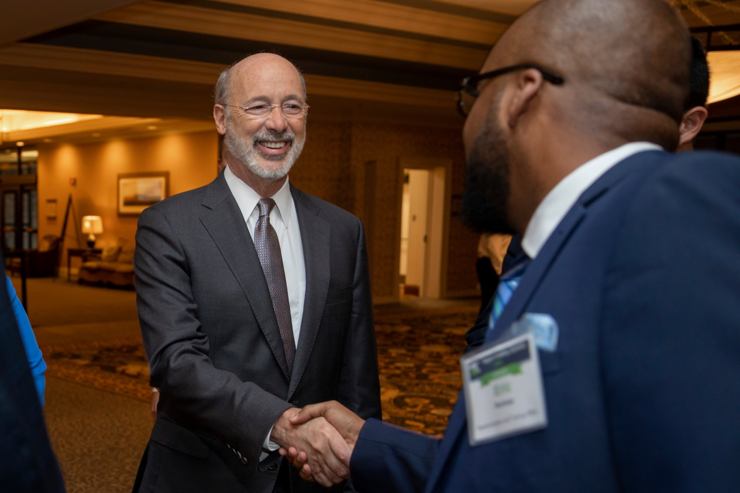 "<a href=""https://filesource.wostreaming.net/commonwealthofpa/photo/17520_LandI_Apprenticeships_NK_003.JPG"" target=""_blank"">⇣ Download Photo<br></a>Pennsylvania Governor Tom Wolf shakes hands with Eric Ramsay, director of Apprenticeship and Training Office, during the 2019 Pennsylvania Apprenticeship Summit at Hershey Lodge on Thursday, October 31, 2019."