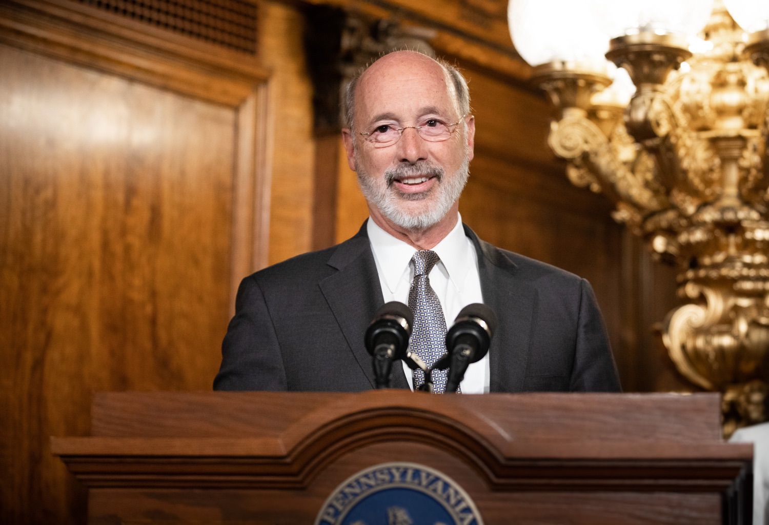 "<a href=""https://filesource.wostreaming.net/commonwealthofpa/photo/17554_gov_voter_reform_bill_dz_002.jpg"" target=""_blank"">⇣ Download Photo<br></a>Harrisburg, PA  Governor Tom Wolf speaks at the Election Reform Bill signing.  Governor Wolf made voting more convenient and secure by signing Act 77 of 2019, the most significant improvement to Pennsylvanias elections in more than 80 years. The bipartisan compromise legislation takes effect for the April 2020 primary election and makes Pennsylvania a national leader with voter-friendly election reforms."