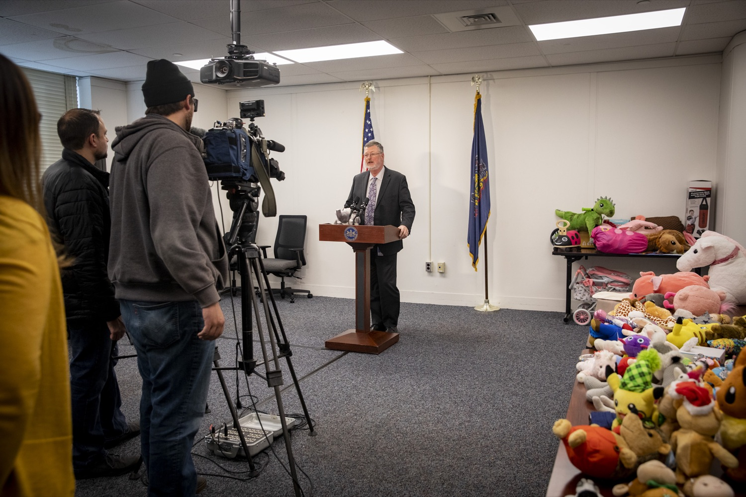 """<a href=""""https://filesource.wostreaming.net/commonwealthofpa/photo/17589_LandI_TOY_DONATION_CZ_09.JPG"""" target=""""_blank"""">⇣Download Photo<br></a>Labor and Industry Secretary Gerard Oleksiak talks about the importance of the commonwealths 30th annual Holiday Wish program gift drive in Harrisburg on November 14, 2019."""