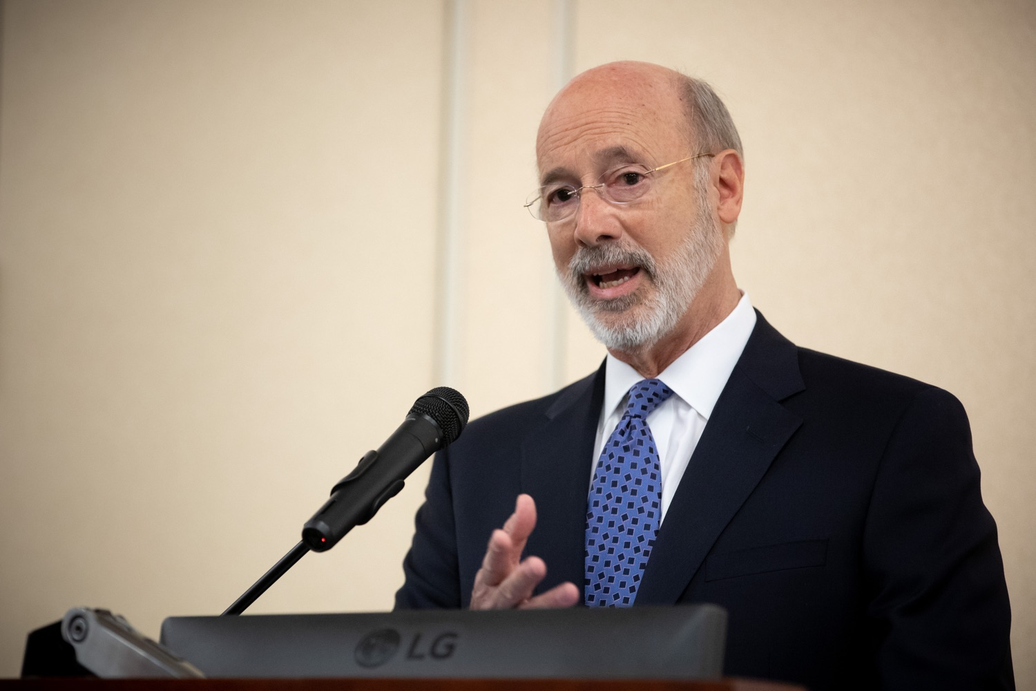 """<a href=""""https://filesource.wostreaming.net/commonwealthofpa/photo/17598_gov_charter_schools_dz_002.jpg"""" target=""""_blank"""">⇣Download Photo<br></a>Pennsylvania Governor Tom Wolf speaks about charter school reform at a meeting of the Pennsylvania Association of School Administrators.  Governor Tom Wolfs commonsense plan to improve the educational quality of charter schools and control rising costs will save nearly $280 million a year, the governor told the Pennsylvania Association of School Administrators today. The governor has a three-part plan to fix Pennsylvanias charter school law which is regarded as one of the worst in the nation.  - Harrisburg, PA. Friday, November 15, 2019."""