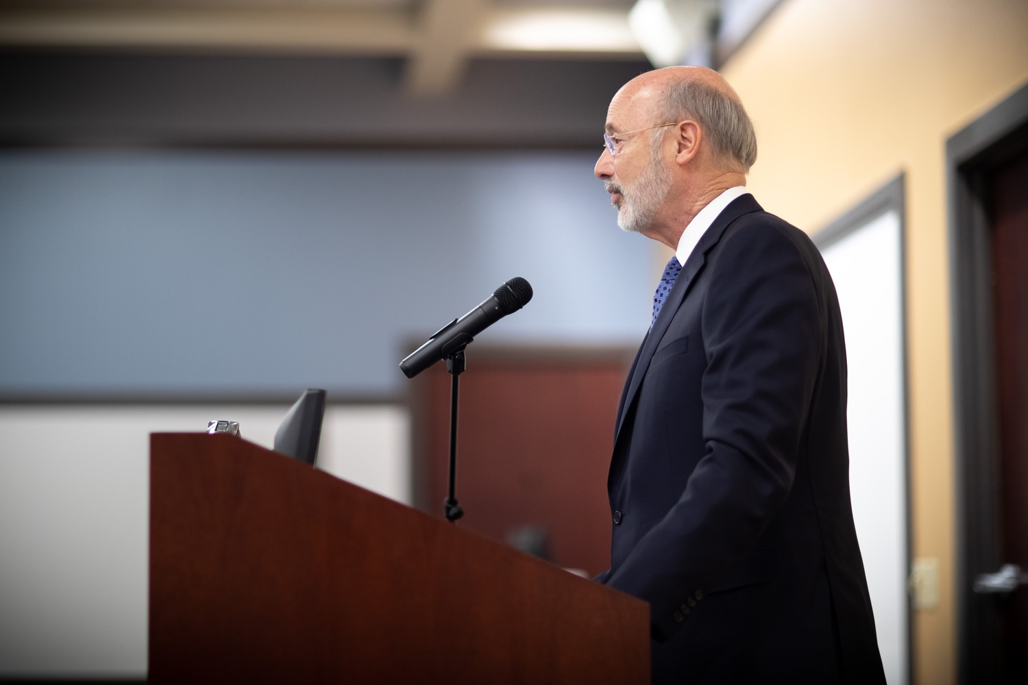 """<a href=""""https://filesource.wostreaming.net/commonwealthofpa/photo/17598_gov_charter_schools_dz_011.jpg"""" target=""""_blank"""">⇣Download Photo<br></a>Pennsylvania Governor Tom Wolf speaks about charter school reform at a meeting of the Pennsylvania Association of School Administrators.  Governor Tom Wolfs commonsense plan to improve the educational quality of charter schools and control rising costs will save nearly $280 million a year, the governor told the Pennsylvania Association of School Administrators today. The governor has a three-part plan to fix Pennsylvanias charter school law which is regarded as one of the worst in the nation.  - Harrisburg, PA. Friday, November 15, 2019."""