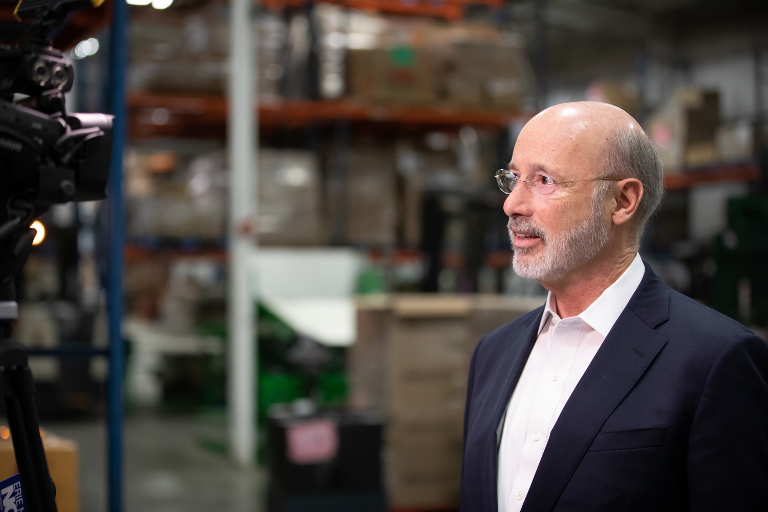 "<a href=""https://filesource.wostreaming.net/commonwealthofpa/photo/17632_gov_foodbank_volunteering_dz_010.jpg"" target=""_blank"">⇣ Download Photo<br></a>Governor Tom Wolf speaks to the press at the Central Pennsylvania Food Bank.  The governor and first lady visit the Central Pennsylvania Food Bank in Harrisburg to participate in a volunteer project, packing boxes of food for veterans and their families. Ahead of Thanksgiving and the holiday season, Governor Tom Wolf and First Lady Frances Wolf are reminding Pennsylvanians of the importance of helping each other. Harrisburg, PA  Tuesday November 26, 2019"