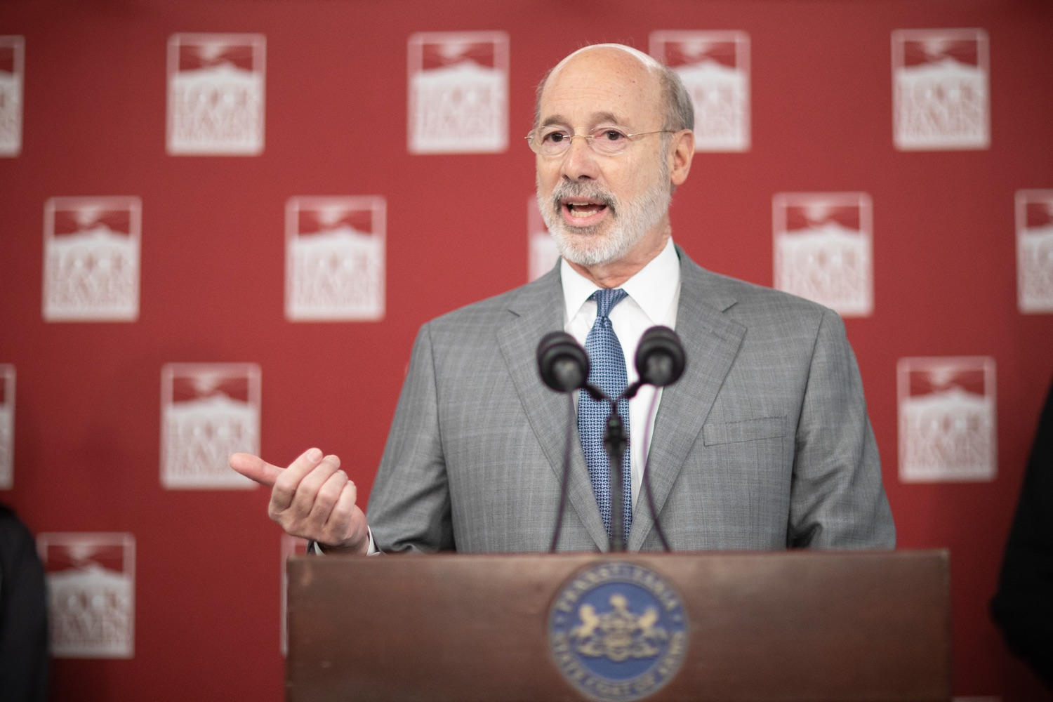 """<a href=""""https://filesource.wostreaming.net/commonwealthofpa/photo/17763_gov_highered_dz_004.jpg"""" target=""""_blank"""">⇣Download Photo<br></a>Governor Tom Wolf speaks to students at Lock Haven University.  Governor Tom Wolf visited Lock Haven University today to launch a tour of the 14 state-owned universities and discuss his proposal to help thousands of low- and middle-class students afford their dream of a college education. Lock Haven, PA  February 12, 2020"""