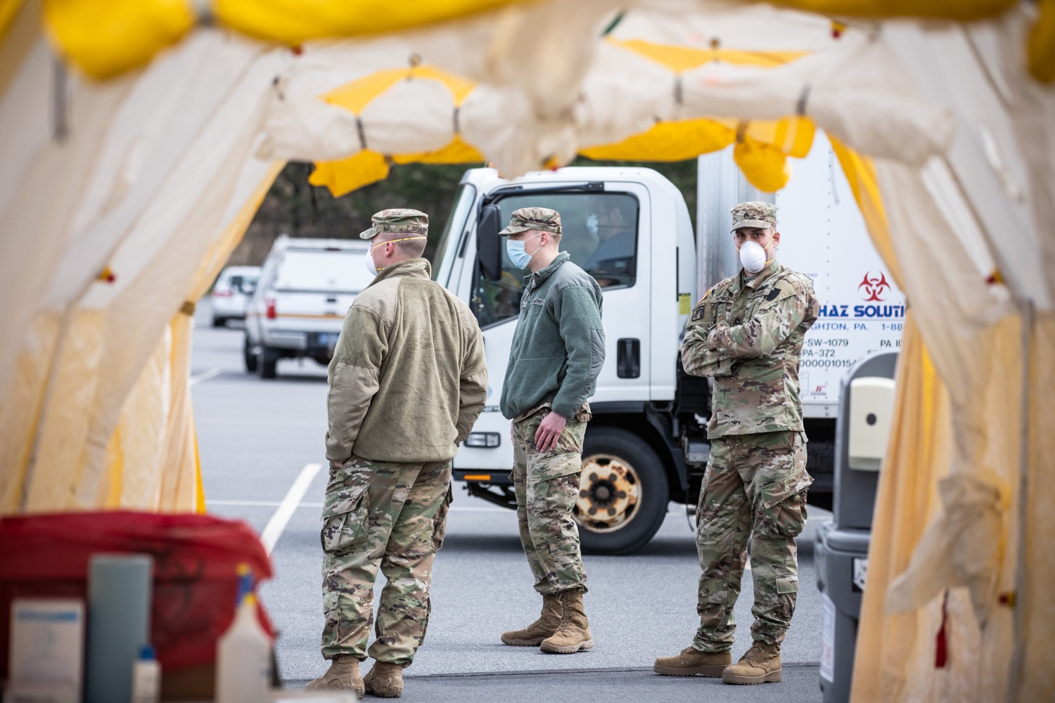 "<a href=""https://filesource.wostreaming.net/commonwealthofpa/photo/17965_doh_Testing_Site_dz_dz_0012.jpg"" target=""_blank"">⇣ Download Photo<br></a>Pennsylvania National Guard soldiers and other emergency responders preparing for testing subjects to arrive at the test location.  The Wolf Administration provided pictures of the COVID-19 testing site at Mohegan Sun Arena at Casey Plaza in Wilkes-Barre, Luzerne County, that will provide much-needed testing for symptomatic first responders, health care workers and residents 65 or older throughout Northeastern Pennsylvania.  Monday, April 20, 2020 - Wilkes-Barre, Luzerne County"