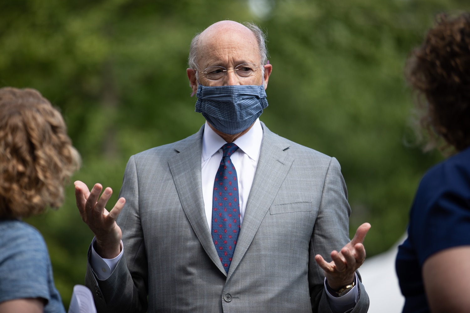 "<a href=""https://filesource.wostreaming.net/commonwealthofpa/photo/18093_gov-healthcare_workers_dz_06.jpg"" target=""_blank"">⇣ Download Photo<br></a>Pennsylvania Governor Tom Wolf speaking with medical workers during his visit to Milton S. Hershey Medical Center. As the commonwealth continues its measured, phased reopening and COVID-19 case counts continue to decline, Governor Tom Wolf visited Penn State Milton S. Hershey Medical Center today to thank staff and learn more about how the facility is handling the pandemic and preparing for a possible resurgence in the fall.  Harrisburg, PA  June 24, 2020"