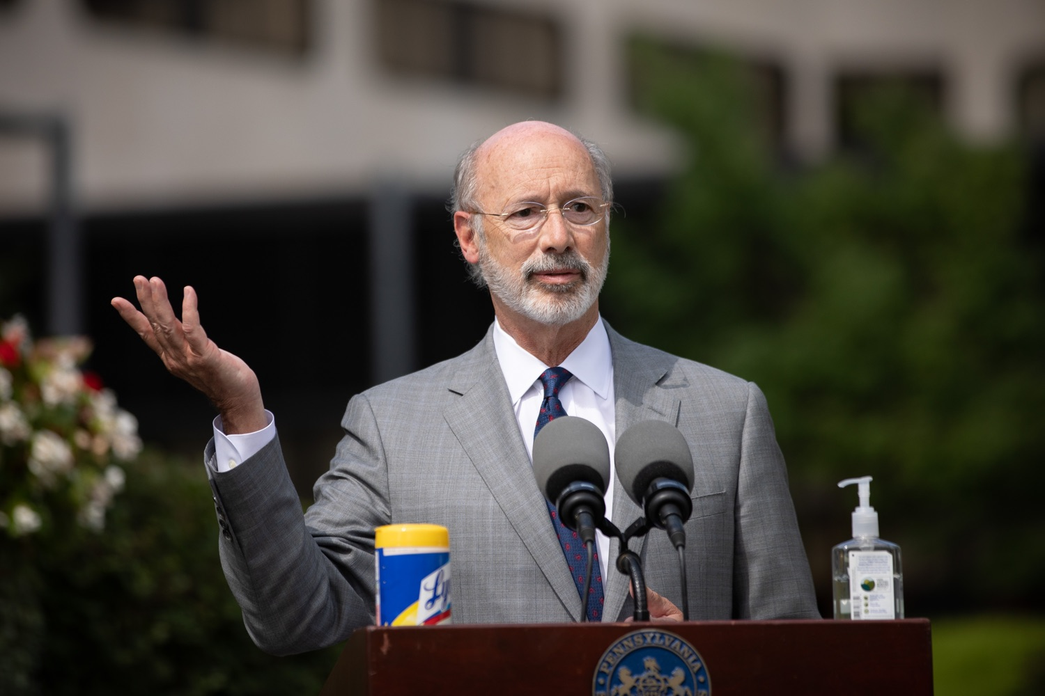 """<a href=""""https://filesource.wostreaming.net/commonwealthofpa/photo/18093_gov-healthcare_workers_dz_19.jpg"""" target=""""_blank"""">⇣Download Photo<br></a>Pennsylvania Governor Tom Wolf answering questions from the press during his visit to Milton S. Hershey Medical Center. As the commonwealth continues its measured, phased reopening and COVID-19 case counts continue to decline, Governor Tom Wolf visited Penn State Milton S. Hershey Medical Center today to thank staff and learn more about how the facility is handling the pandemic and preparing for a possible resurgence in the fall.  Harrisburg, PA  June 24, 2020"""