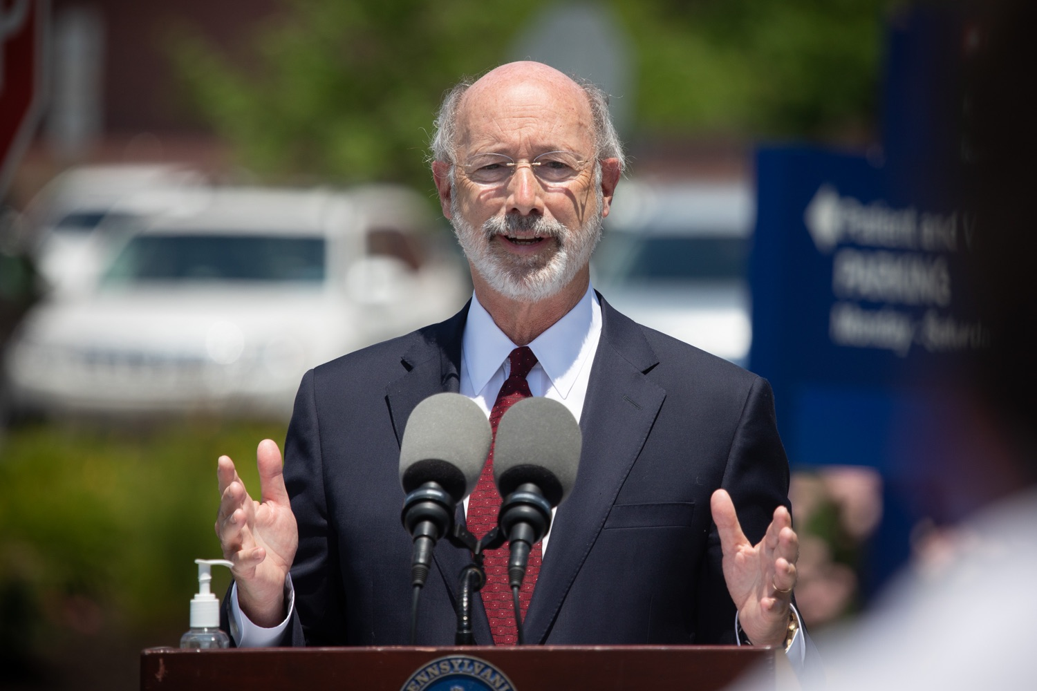 "<a href=""https://filesource.wostreaming.net/commonwealthofpa/photo/18101_gov_healthcare_dz_07.jpg"" target=""_blank"">⇣ Download Photo<br></a>Pennsylvania Governor Tom Wolf answering questions from the press at UPMC Pinnacle Community Osteopathic.As health care professionals work the front lines of the COVID-19 pandemic and the commonwealth continues to emphasize the importance of mask-wearing and social distancing to protect all, Governor Tom Wolf today visited UPMC Pinnacle Community Osteopathic Hospital in Harrisburg to thank staff and stress why mask-wearing is a necessary requirement to fight the spread of COVID-19.    Harrisburg, PA  June 29, 2020"