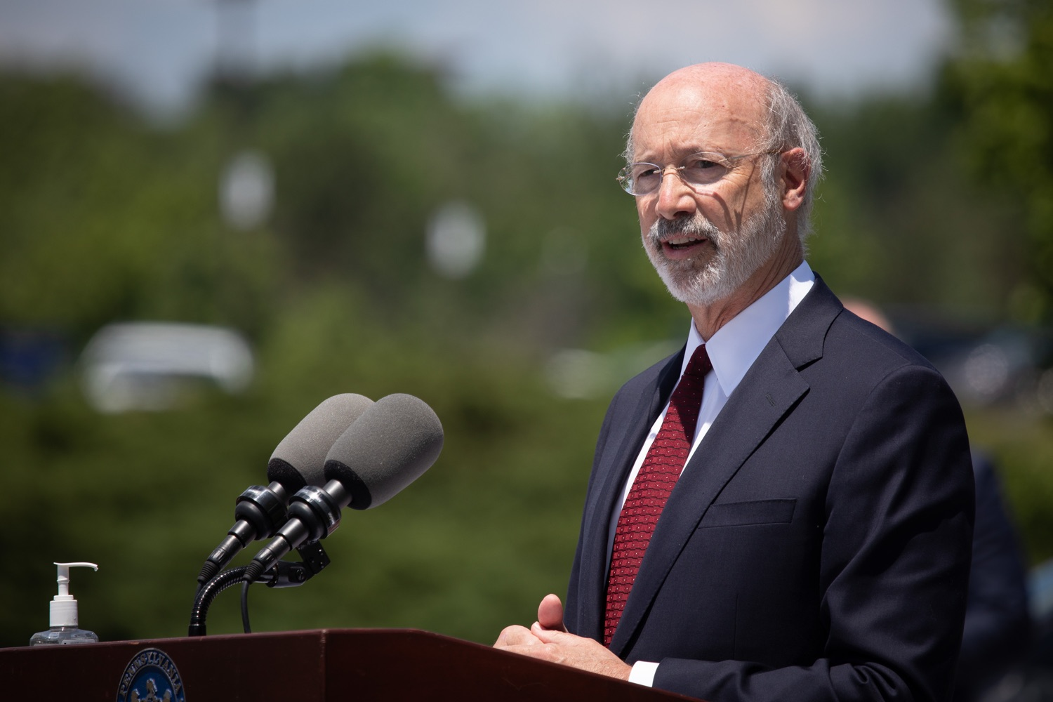 "<a href=""https://filesource.wostreaming.net/commonwealthofpa/photo/18101_gov_healthcare_dz_16.jpg"" target=""_blank"">⇣ Download Photo<br></a>Pennsylvania Governor Tom Wolf speaking at UPMC Pinnacle Community Osteopathic.As health care professionals work the front lines of the COVID-19 pandemic and the commonwealth continues to emphasize the importance of mask-wearing and social distancing to protect all, Governor Tom Wolf today visited UPMC Pinnacle Community Osteopathic Hospital in Harrisburg to thank staff and stress why mask-wearing is a necessary requirement to fight the spread of COVID-19.    Harrisburg, PA  June 29, 2020"