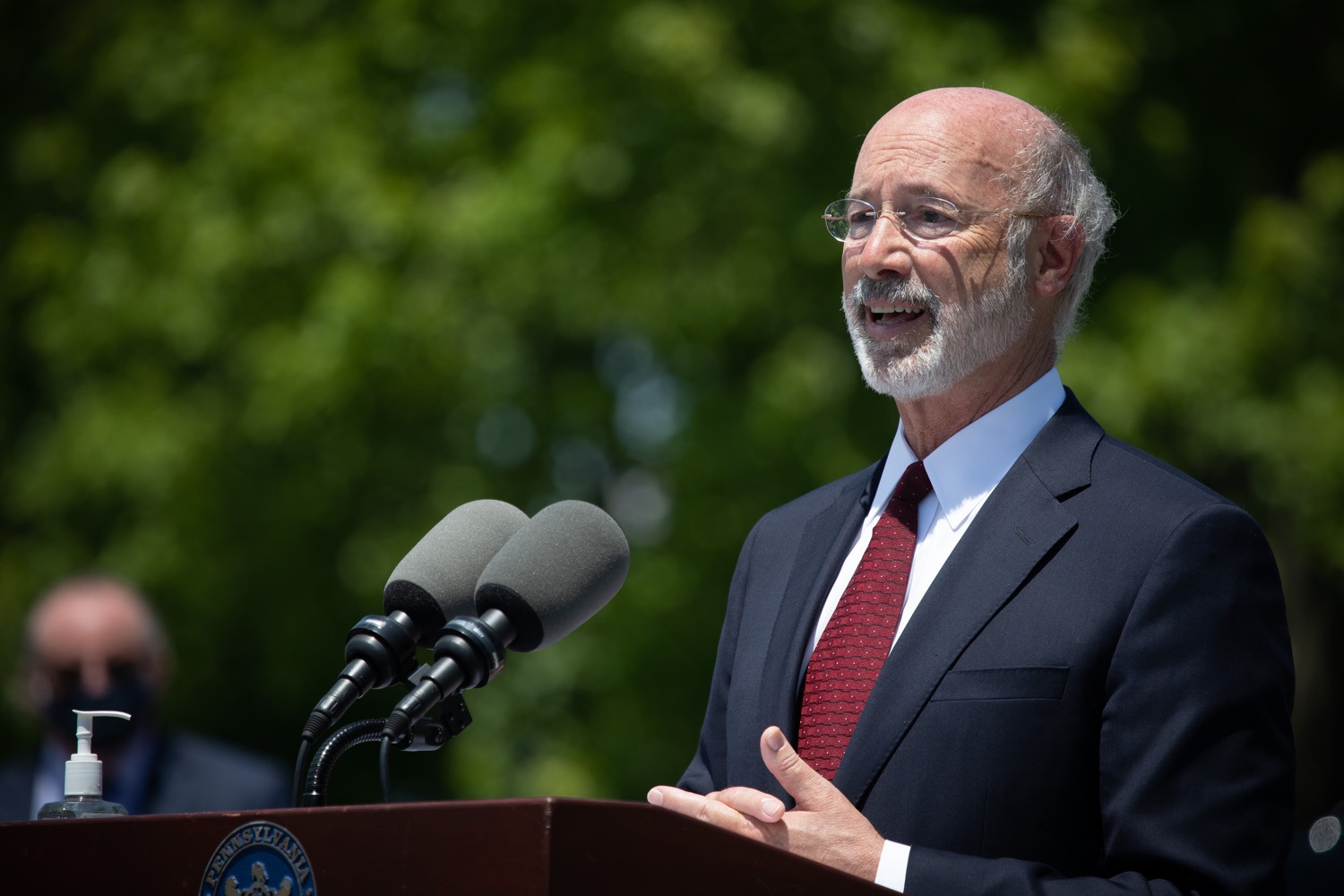 "<a href=""https://filesource.wostreaming.net/commonwealthofpa/photo/18101_gov_healthcare_dz_18.jpg"" target=""_blank"">⇣ Download Photo<br></a>Pennsylvania Governor Tom Wolf answering questions from the press at UPMC Pinnacle Community Osteopathic.As health care professionals work the front lines of the COVID-19 pandemic and the commonwealth continues to emphasize the importance of mask-wearing and social distancing to protect all, Governor Tom Wolf today visited UPMC Pinnacle Community Osteopathic Hospital in Harrisburg to thank staff and stress why mask-wearing is a necessary requirement to fight the spread of COVID-19.    Harrisburg, PA  June 29, 2020"