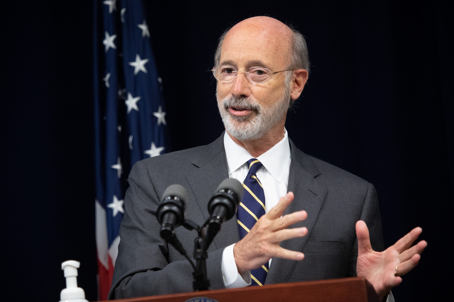 "<a href=""https://filesource.wostreaming.net/commonwealthofpa/photo/18141_gov_sb637_bill_signing_dz_07.jpg"" target=""_blank"">⇣ Download Photo<br></a>Pennsylvania Governor Tom Wolf speaking with the press.  Building on his criminal justice reforms and fulfilling a recommendation to modernize job licensing, Governor Tom Wolf today signed Senate Bill 637, which removes outdated licensing barriers so skilled workers with criminal records can get a second chance and start good careers. The governor has advocated for sweeping changes to the licensing process for years. Harrisburg, PA  July 1, 2020"
