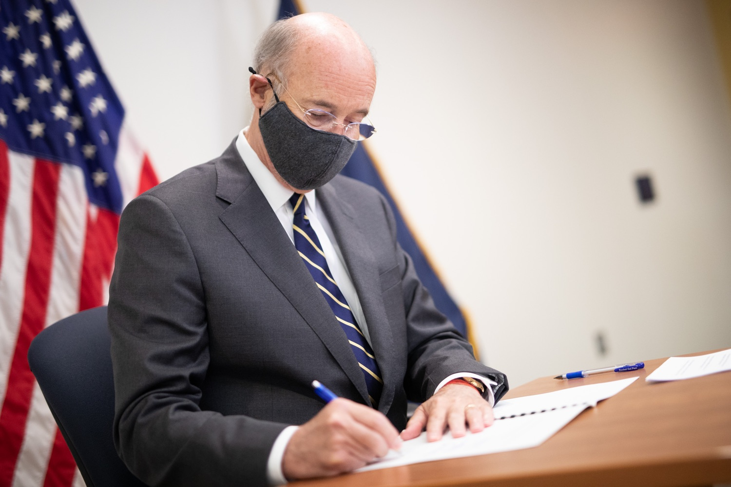 "<a href=""https://filesource.wostreaming.net/commonwealthofpa/photo/18141_gov_sb637_bill_signing_dz_20.jpg"" target=""_blank"">⇣ Download Photo<br></a>Pennsylvania Governor Tom Wolf signs a bill.  Building on his criminal justice reforms and fulfilling a recommendation to modernize job licensing, Governor Tom Wolf today signed Senate Bill 637, which removes outdated licensing barriers so skilled workers with criminal records can get a second chance and start good careers. The governor has advocated for sweeping changes to the licensing process for years. Harrisburg, PA  July 1, 2020"
