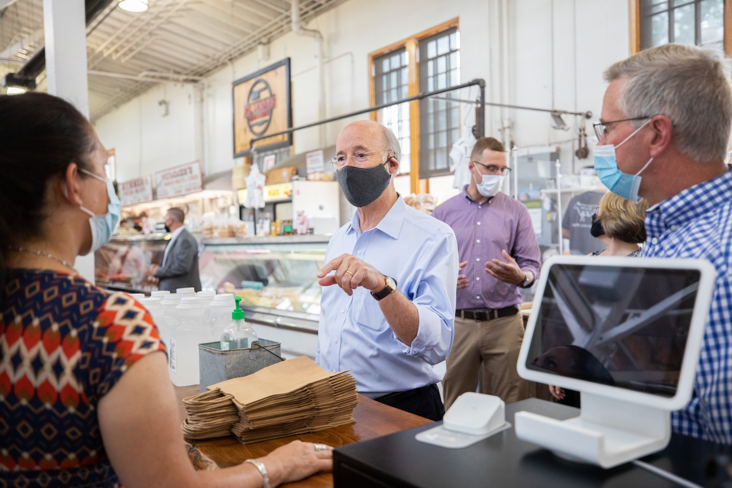 """<a href=""""https://filesource.wostreaming.net/commonwealthofpa/photo/18155_gov_freshFood_dz_006.jpg"""" target=""""_blank"""">⇣Download Photo<br></a>Pennsylvania Governor Tom Wolf taking a tour of the of the Broad Street Market with Pennsylvania Agriculture Secretary Russell.   Governor Tom Wolf today announced that $10 million is now available for Pennsylvania businesses that have worked to maintain access to fresh, healthy food throughout the COVID-19 pandemic.  Harrisburg, PA  July 9, 2020"""