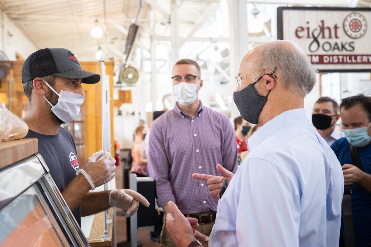 """<a href=""""https://filesource.wostreaming.net/commonwealthofpa/photo/18155_gov_freshFood_dz_010.jpg"""" target=""""_blank"""">⇣Download Photo<br></a>Pennsylvania Governor Tom Wolf speaking with vendors at  the Broad Street Market.  Governor Tom Wolf today announced that $10 million is now available for Pennsylvania businesses that have worked to maintain access to fresh, healthy food throughout the COVID-19 pandemic.  Harrisburg, PA  July 9, 2020"""