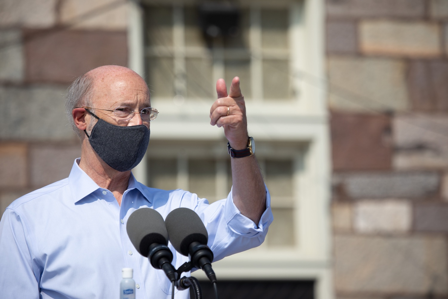 """<a href=""""https://filesource.wostreaming.net/commonwealthofpa/photo/18155_gov_freshFood_dz_016.jpg"""" target=""""_blank"""">⇣Download Photo<br></a>Pennsylvania Governor Tom Wolf speaking outside of the Broad Street Market.  Governor Tom Wolf today announced that $10 million is now available for Pennsylvania businesses that have worked to maintain access to fresh, healthy food throughout the COVID-19 pandemic.  Harrisburg, PA  July 9, 2020"""