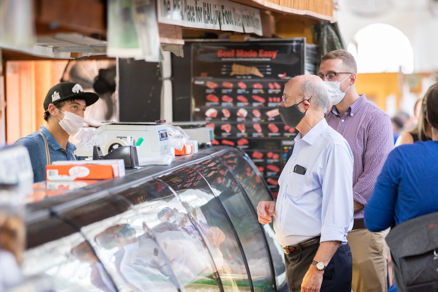 """<a href=""""https://filesource.wostreaming.net/commonwealthofpa/photo/18155_gov_freshFood_dz_021.jpg"""" target=""""_blank"""">⇣Download Photo<br></a>Pennsylvania Governor Tom Wolf taking a tour of the of the Broad Street Market.  Governor Tom Wolf today announced that $10 million is now available for Pennsylvania businesses that have worked to maintain access to fresh, healthy food throughout the COVID-19 pandemic.  Harrisburg, PA  July 9, 2020"""