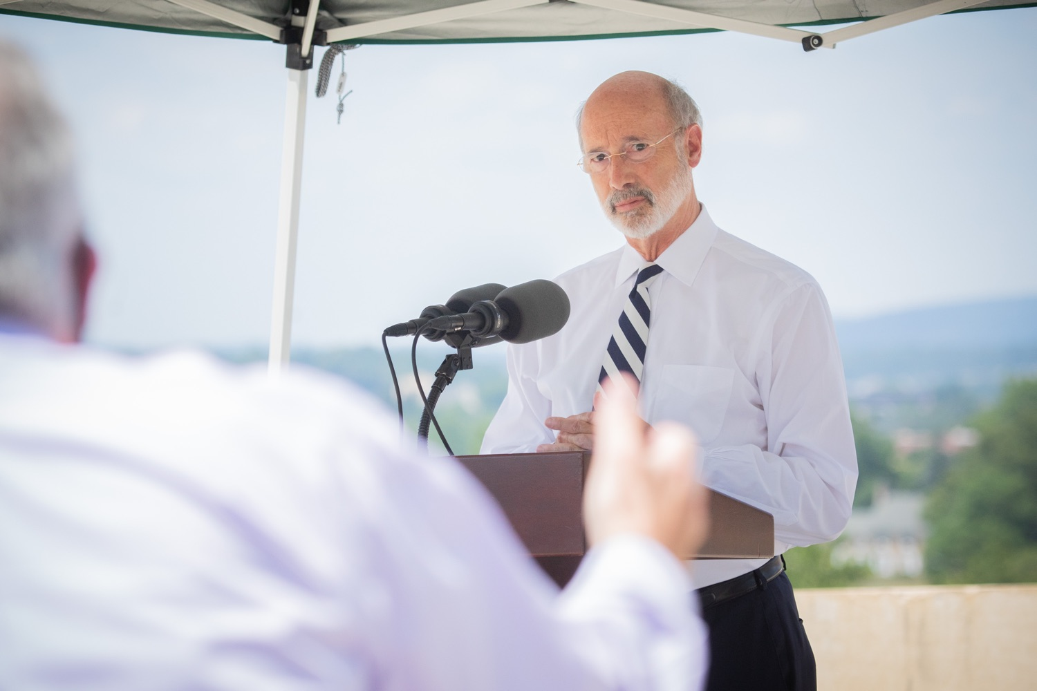 """<a href=""""https://filesource.wostreaming.net/commonwealthofpa/photo/18173_gov_wellspan_hospital_dz_18.jpg"""" target=""""_blank"""">⇣Download Photo<br></a>Pennsylvania governor Tom Wolf speaking to the press.  With a recent rise in COVID cases and subsequent additional targeted mitigation efforts put in place, Governor Tom Wolf today visited WellSpan York Hospital to thank staff and emphasize why mask-wearing and social distancing are necessary and effective to fight the spread of COVID-19.  Harrisburg, PA  July 21, 2020"""