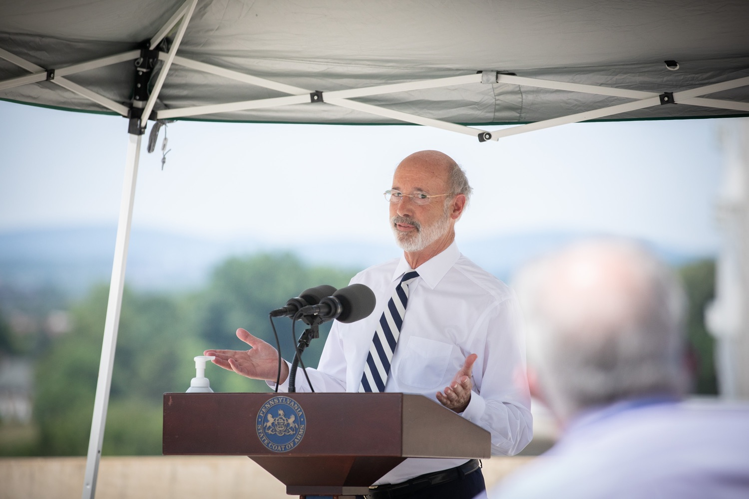 """<a href=""""https://filesource.wostreaming.net/commonwealthofpa/photo/18173_gov_wellspan_hospital_dz_20.jpg"""" target=""""_blank"""">⇣Download Photo<br></a>Pennsylvania governor Tom Wolf speaking to the press.  With a recent rise in COVID cases and subsequent additional targeted mitigation efforts put in place, Governor Tom Wolf today visited WellSpan York Hospital to thank staff and emphasize why mask-wearing and social distancing are necessary and effective to fight the spread of COVID-19.  Harrisburg, PA  July 21, 2020"""