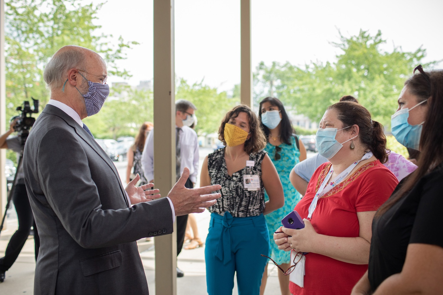 "<a href=""https://filesource.wostreaming.net/commonwealthofpa/photo/18178_GOV_Lancaster_Health_dz__02.jpg"" target=""_blank"">⇣ Download Photo<br></a>Pennsylvania Governor Tom Wolf meeting with Lancaster Health Center workers.  Governor Tom Wolf today visited Lancaster Health Center, a federally qualified health center, to thank staff for their work to ensure the communitys most vulnerable receive care during COVID-19 and year-round.  Harrisburg, PA  July 24, 2020"