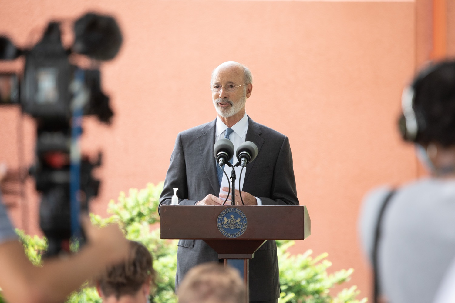 "<a href=""https://filesource.wostreaming.net/commonwealthofpa/photo/18178_GOV_Lancaster_Health_dz__08.jpg"" target=""_blank"">⇣ Download Photo<br></a>Pennsylvania Governor Tom Wolf speaking at the event.  Governor Tom Wolf today visited Lancaster Health Center, a federally qualified health center, to thank staff for their work to ensure the communitys most vulnerable receive care during COVID-19 and year-round.  Harrisburg, PA  July 24, 2020"