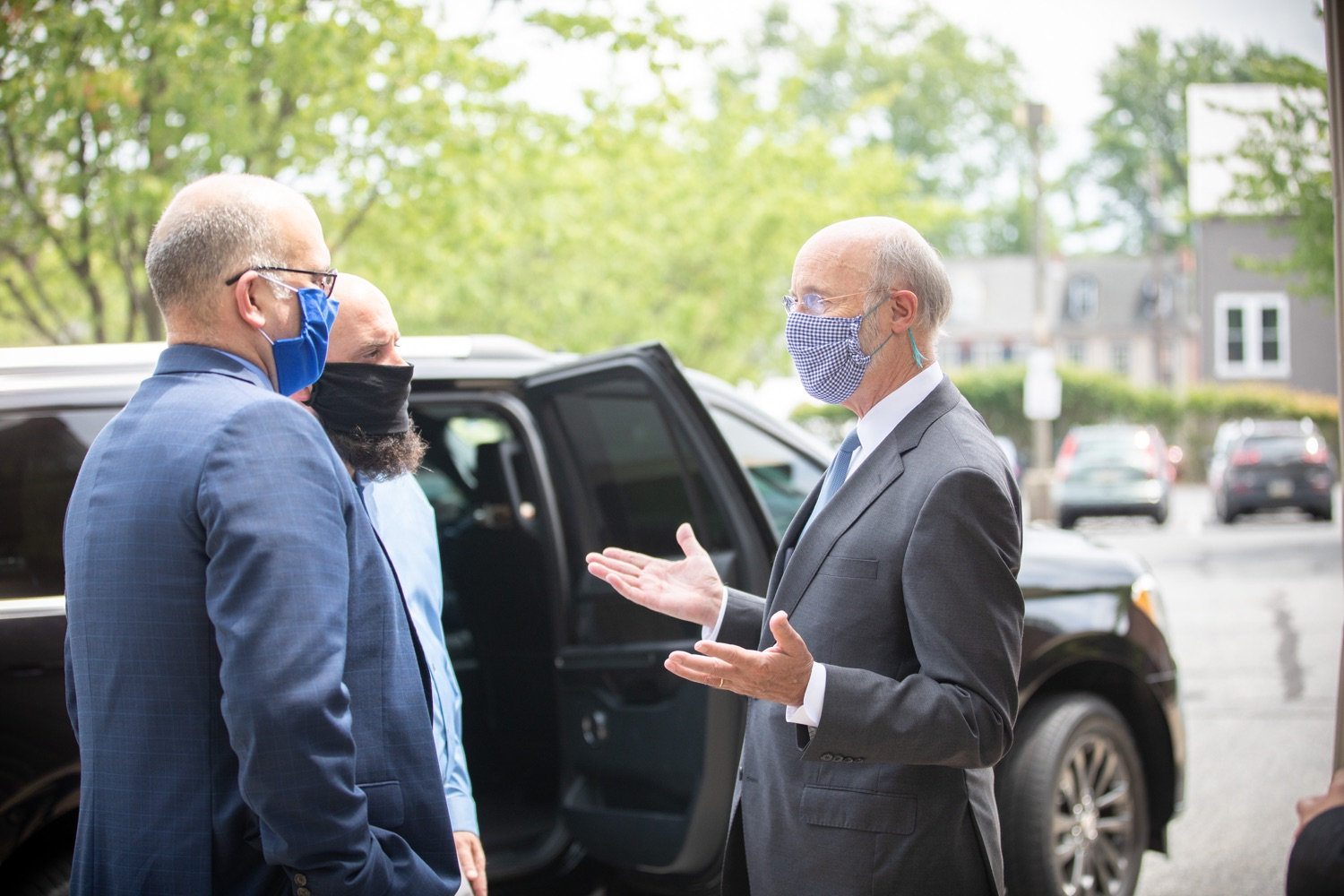 "<a href=""https://filesource.wostreaming.net/commonwealthofpa/photo/18178_GOV_Lancaster_Health_dz__21.jpg"" target=""_blank"">⇣ Download Photo<br></a>Pennsylvania Governor Tom Wolf meeting with Lancaster Health Center workers.  Governor Tom Wolf today visited Lancaster Health Center, a federally qualified health center, to thank staff for their work to ensure the communitys most vulnerable receive care during COVID-19 and year-round.  Harrisburg, PA  July 24, 2020"
