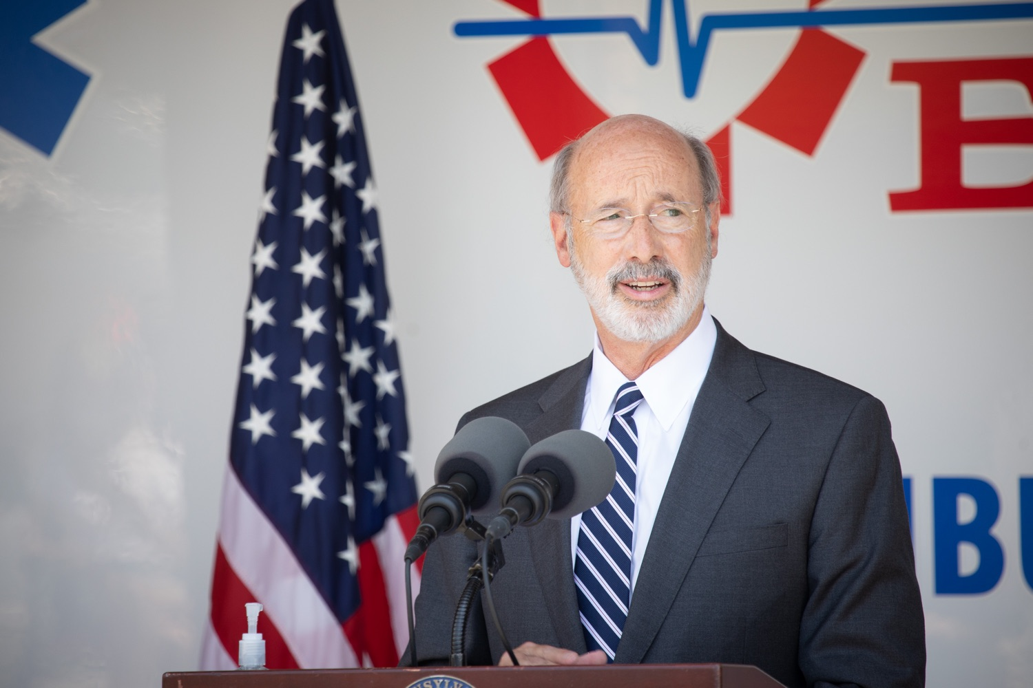 "<a href=""https://filesource.wostreaming.net/commonwealthofpa/photo/18180_gov_first_responders_dz_002.jpg"" target=""_blank"">⇣ Download Photo<br></a>Pennsylvania Governor Tom Wolf speaking with Lancaster EMS employees and their families. Governor Tom Wolf visited the Millersville location of Lancaster EMS today to thank first responders and learn about how they are adapting their critical work during the states response to the COVID-19 pandemic.  Millersville, PA  July 30, 2020"