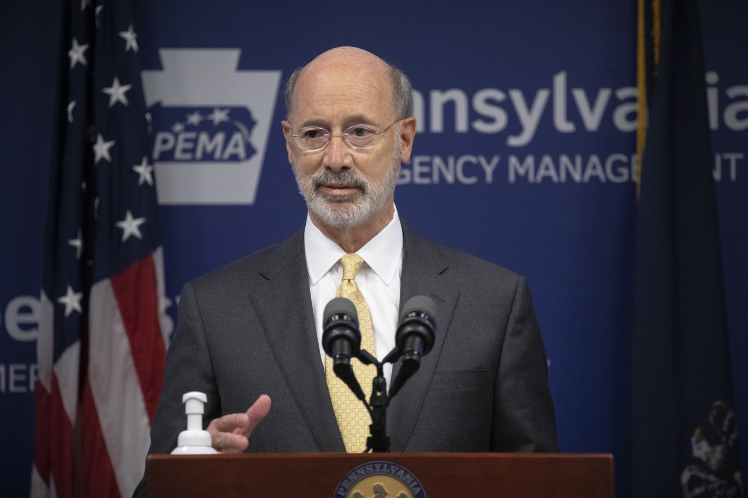 """<a href=""""https://filesource.wostreaming.net/commonwealthofpa/photo/18201_gov_orasure_dz_014.jpg"""" target=""""_blank"""">⇣Download Photo<br></a>Pennsylvania Governor Tom Wolf speaking to the press.  Today, Governor Tom Wolf announced that OraSure Technologies Inc., a developer and manufacturer of rapid diagnostic tests, collection and stabilization devices headquartered in Northampton County, will expand its manufacturing operations in the Lehigh Valley, creating 177 new, full-time jobs and retaining 233 jobs.  Harrisburg, PA  August 11, 2020"""