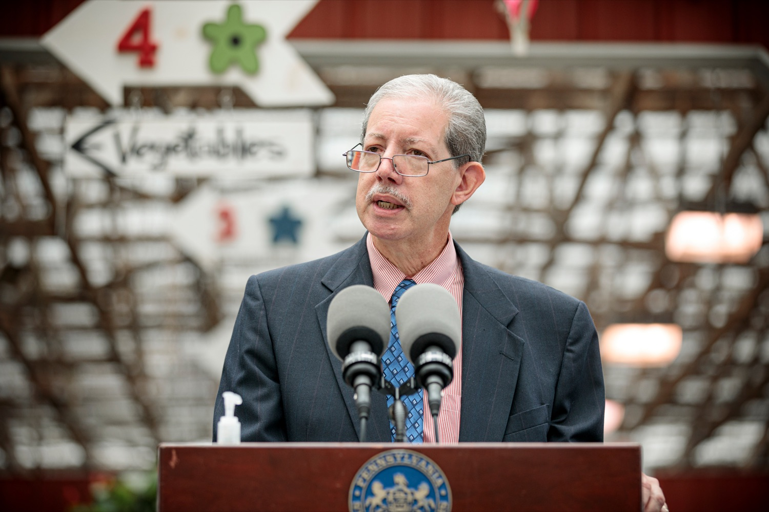"<a href=""https://filesource.wostreaming.net/commonwealthofpa/photo/18235_AGRIC_SLF_NK_012.jpg"" target=""_blank"">⇣ Download Photo<br></a>Carlos Martinez, executive director of field operations for the USDA, during a press conference urging Pennsylvanians to act now against the Spotted Lanternfly for the sake of food security, at Cherry Hill Orchard Outlet and Garden Center in Lancaster on Thursday, September 10, 2020."