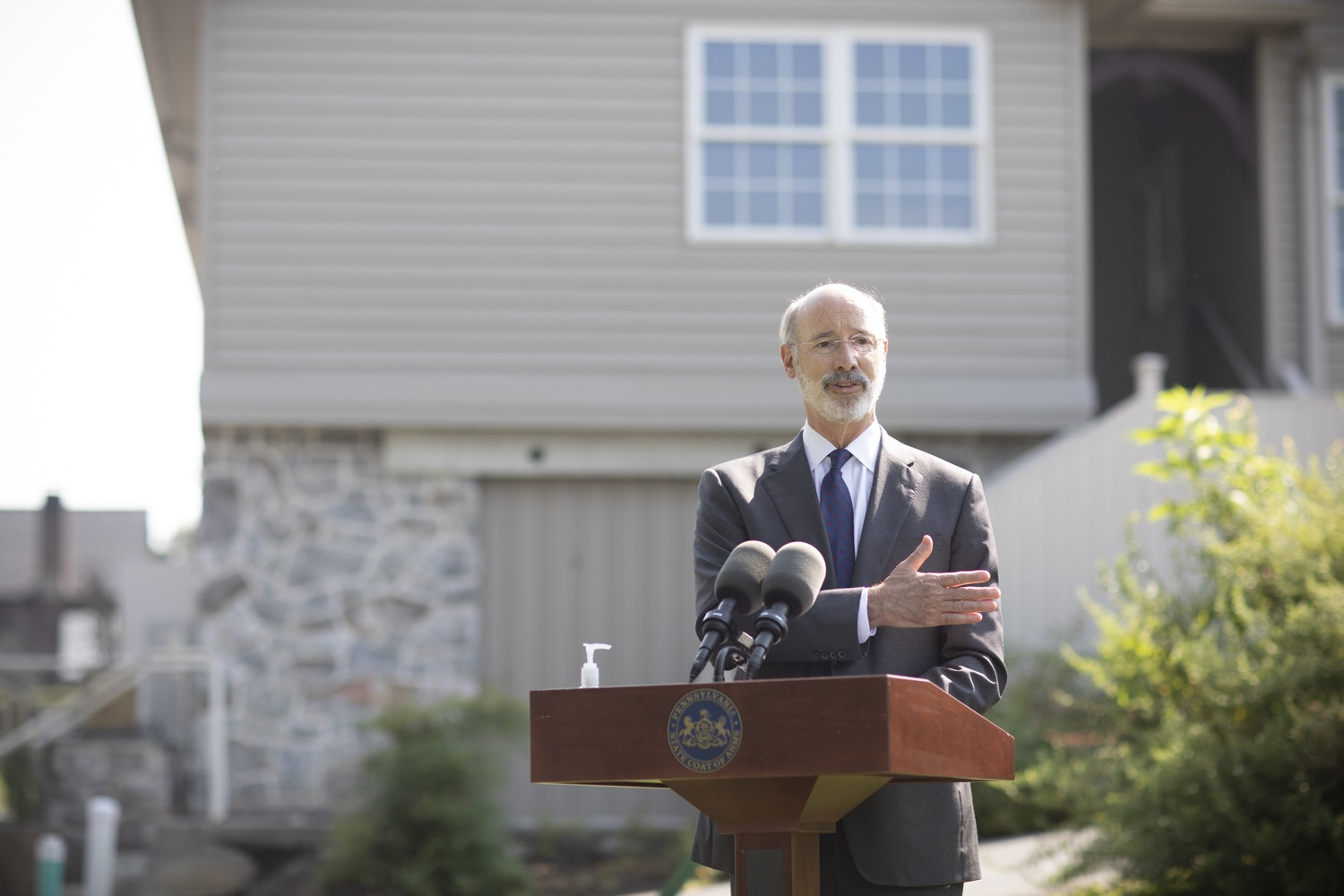 "<a href=""https://filesource.wostreaming.net/commonwealthofpa/photo/18248_gov_evictions_dz_032.jpg"" target=""_blank"">⇣ Download Photo<br></a>Pennsylvania Governor Tom Wolf speaking to the press.   With rent and mortgage debt mounting for hundreds of thousands of Pennsylvanians, Governor Tom Wolf is calling on the General Assembly to fix a state relief program to prevent many families from becoming homeless and enact a moratorium on evictions and foreclosures until the end of the year. The governor was joined today by legislators and housing advocates at a press conference in Lancaster County. Harrisburg, PA  Sept. 8, 2020"