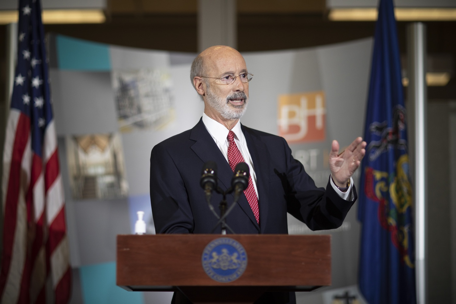 "<a href=""https://filesource.wostreaming.net/commonwealthofpa/photo/18250_gov_covidFunding_dz_001.jpg"" target=""_blank"">⇣ Download Photo<br></a>Pennsylvania Governor Tom Wolf speaking to the press.  As small businesses continue to feel an economic impact of the COVID-19 public health crisis, Governor Tom Wolf today called on the General Assembly to provide additional funding to support these businesses. The governor was joined by the York County Economic Alliance, local elected officials and business advocates.  York, PA  September 10, 2020"