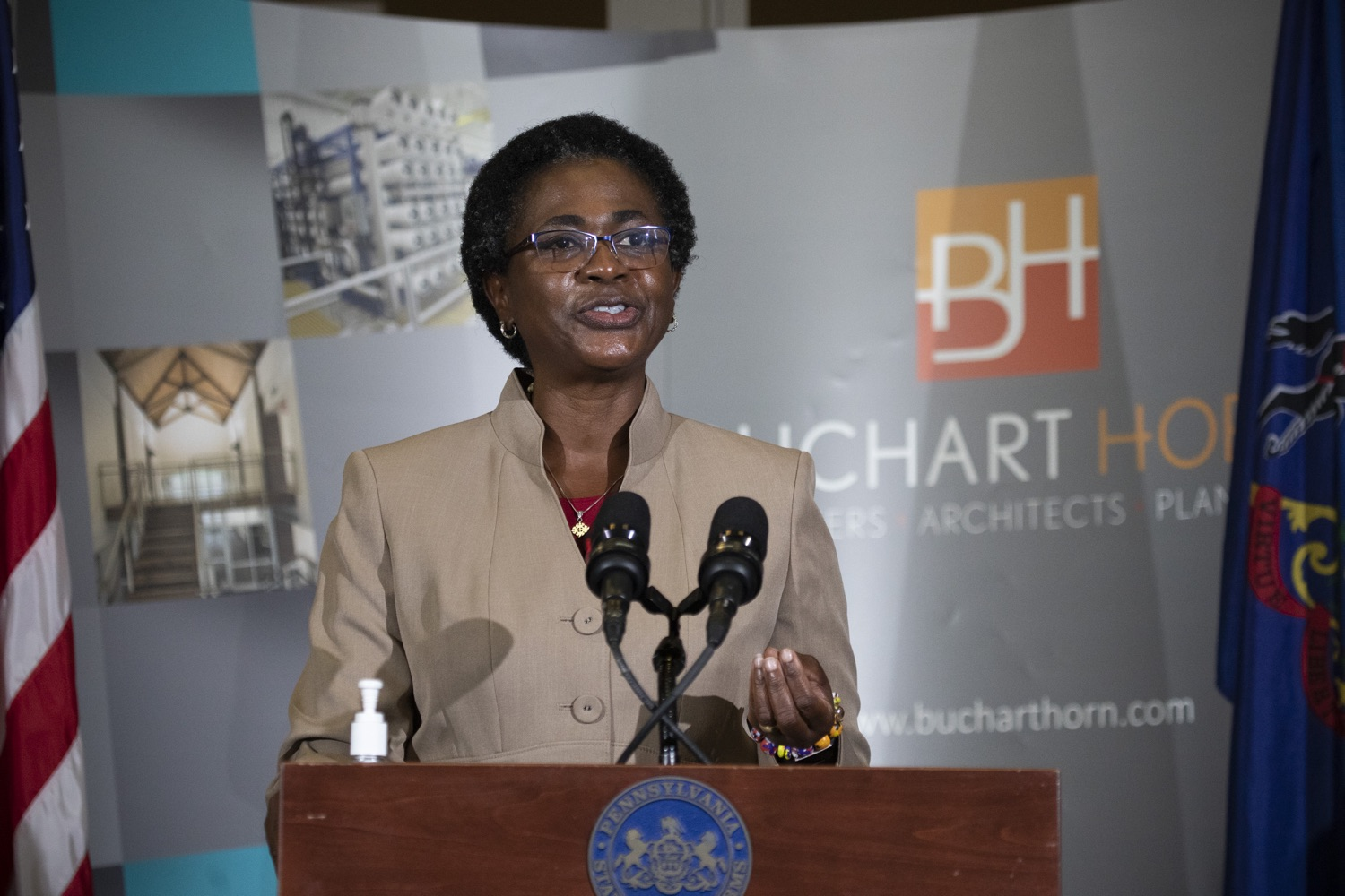 "<a href=""https://filesource.wostreaming.net/commonwealthofpa/photo/18250_gov_covidFunding_dz_004.jpg"" target=""_blank"">⇣ Download Photo<br></a>Grace Quartey, CPA, owner, Grace & Associates speaking to the press.  As small businesses continue to feel an economic impact of the COVID-19 public health crisis, Governor Tom Wolf today called on the General Assembly to provide additional funding to support these businesses. The governor was joined by the York County Economic Alliance, local elected officials and business advocates.  York, PA  September 10, 2020"