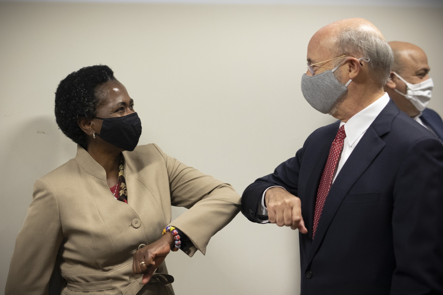 "<a href=""https://filesource.wostreaming.net/commonwealthofpa/photo/18250_gov_covidFunding_dz_006.jpg"" target=""_blank"">⇣ Download Photo<br></a>Pennsylvania Governor Tom Wolf  greeting Grace Quartey, CPA, owner, Grace & Associates.  As small businesses continue to feel an economic impact of the COVID-19 public health crisis, Governor Tom Wolf today called on the General Assembly to provide additional funding to support these businesses. The governor was joined by the York County Economic Alliance, local elected officials and business advocates.  York, PA  September 10, 2020"