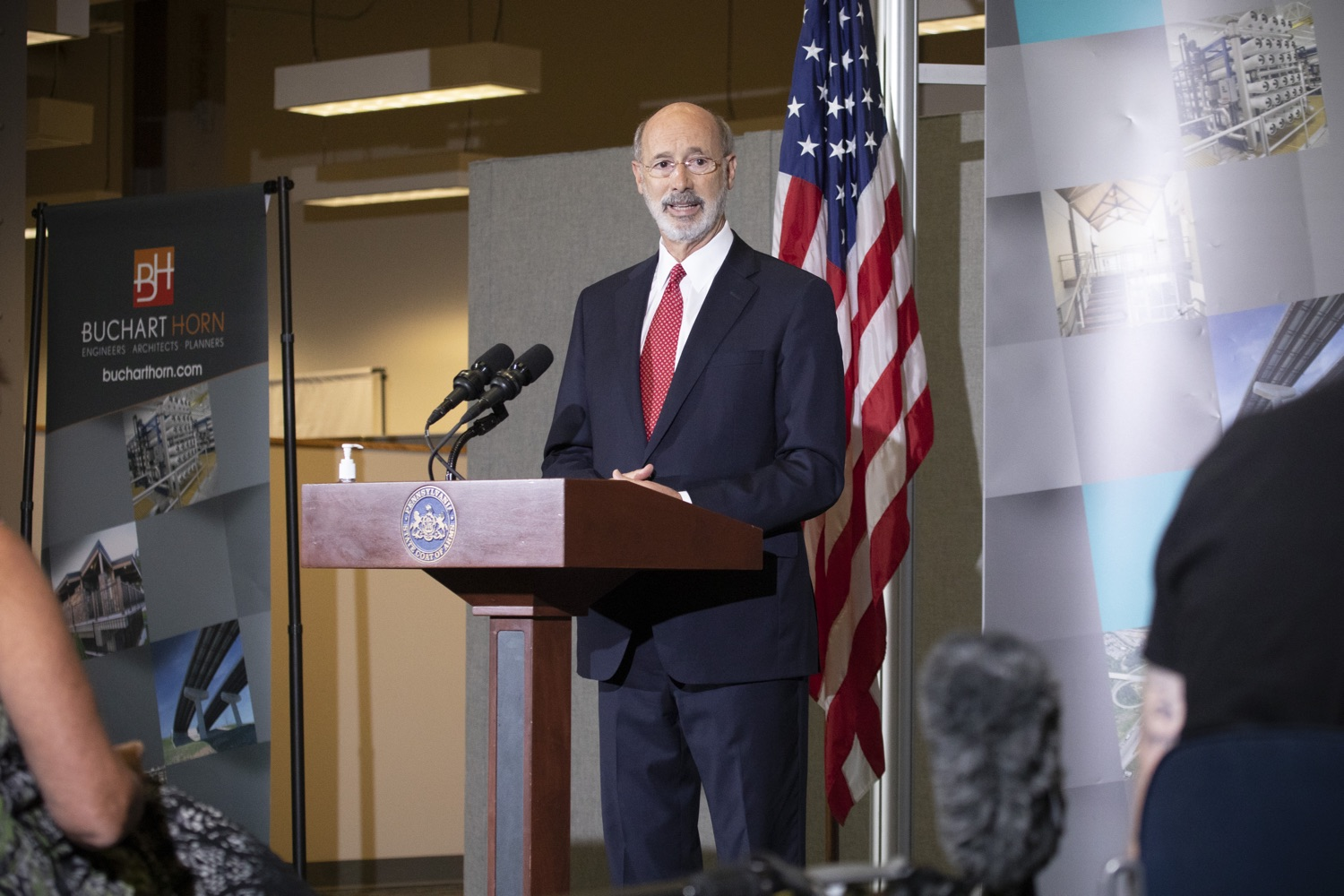 "<a href=""https://filesource.wostreaming.net/commonwealthofpa/photo/18250_gov_covidFunding_dz_017.jpg"" target=""_blank"">⇣ Download Photo<br></a>Pennsylvania Governor Tom Wolf speaking to the press.  As small businesses continue to feel an economic impact of the COVID-19 public health crisis, Governor Tom Wolf today called on the General Assembly to provide additional funding to support these businesses. The governor was joined by the York County Economic Alliance, local elected officials and business advocates.  York, PA  September 10, 2020"