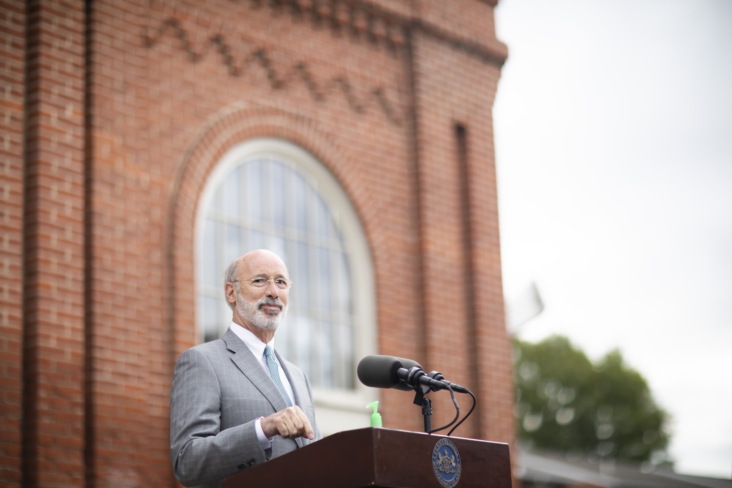 """<a href=""""https://filesource.wostreaming.net/commonwealthofpa/photo/18299_gov_covidgrant_dz_016.jpg"""" target=""""_blank"""">⇣Download Photo<br></a>Pennsylvania Governor Tom Wolf speaks to the press.   Governor Tom Wolf today announced that an additional $96 million in state grants have been approved for 5,373 Pennsylvania small businesses that were impacted by the business closure order due to the COVID-19 public health crisis. Harrisburg, PA  October 5, 2020"""