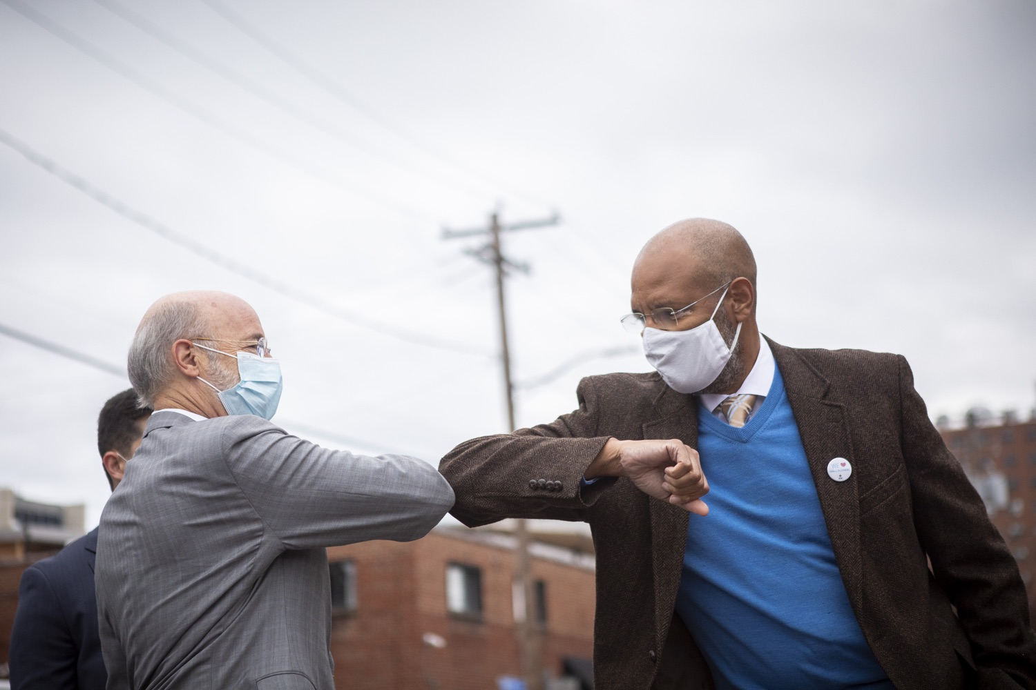 """<a href=""""https://filesource.wostreaming.net/commonwealthofpa/photo/18299_gov_covidgrant_dz_020.jpg"""" target=""""_blank"""">⇣Download Photo<br></a>Pennsylvania Governor Tom Wolf greeting James Burnett, vice chair of the PA CDFI Network before the event. Governor Tom Wolf today announced that an additional $96 million in state grants have been approved for 5,373 Pennsylvania small businesses that were impacted by the business closure order due to the COVID-19 public health crisis. Harrisburg, PA  October 5, 2020"""