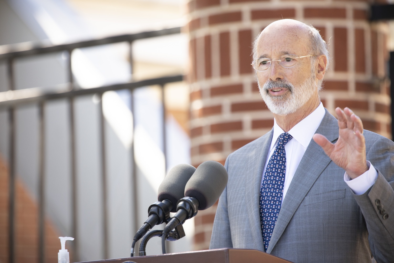 "<a href=""https://filesource.wostreaming.net/commonwealthofpa/photo/18306_gov_aca_dz_012.jpg"" target=""_blank"">⇣ Download Photo<br></a>Pennsylvania Governor Tom Wolf speaking with the press.  Governor Tom Wolf today amplified his call to protect the ACA and provide health care for all amid threats as the US Senate Judiciary Committee hearings to confirm conservative Judge Amy Coney Barrett to the Supreme Court begin next week and the pandemic ramps up across the country. York, PA  October 8, 2020"