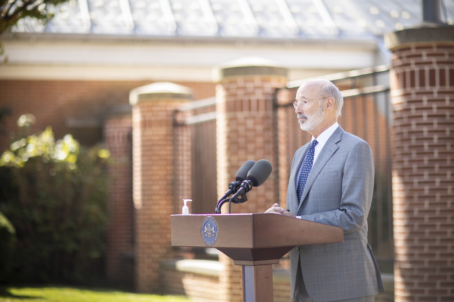 "<a href=""https://filesource.wostreaming.net/commonwealthofpa/photo/18306_gov_aca_dz_017.jpg"" target=""_blank"">⇣ Download Photo<br></a>Pennsylvania Governor Tom Wolf speaking with the press.  Governor Tom Wolf today amplified his call to protect the ACA and provide health care for all amid threats as the US Senate Judiciary Committee hearings to confirm conservative Judge Amy Coney Barrett to the Supreme Court begin next week and the pandemic ramps up across the country. York, PA  October 8, 2020"
