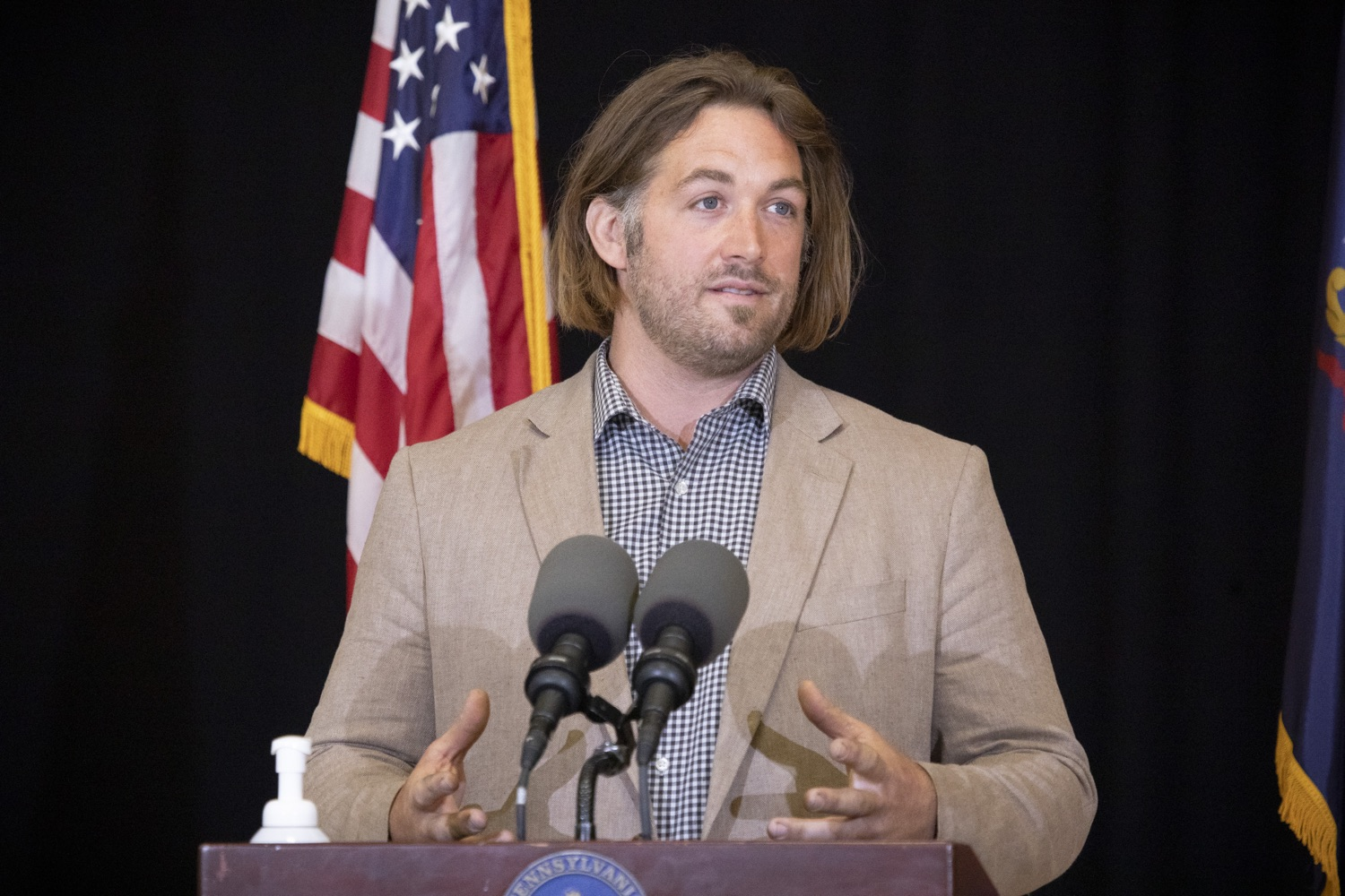 """<a href=""""https://filesource.wostreaming.net/commonwealthofpa/photo/18310_gov_adult_use_cannabis_dz_008.jpg"""" target=""""_blank"""">⇣Download Photo<br></a>Eric Titus White, hemp farmer speaks to the press.Governor Tom Wolf visited The Mountain Center in Tobyhanna, Monroe County today to talk about the economic growth potential and restorative justice benefits of legalizing adult-use cannabis, something the state General Assembly has not yet done despite multiple requests from the governor and Lieutenant Governor John Fetterman to take up legislation this fall.  Tobyhanna, PA  October 13, 2020"""