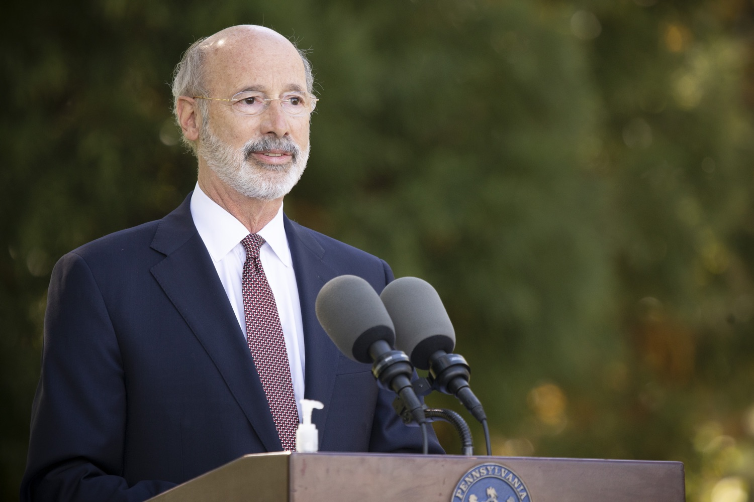 "<a href=""https://filesource.wostreaming.net/commonwealthofpa/photo/18321_gov_aca_dz_015.jpg"" target=""_blank"">⇣ Download Photo<br></a>Pennsylvania Governor Tom Wolf speaking to the press.  As the number of positive COVID-19 cases rise in Pennsylvania and as we enter flu season, protecting the Affordable Care Act (ACA) and ensuring that all Pennsylvanians have access to health coverage are more important than ever, Governor Tom Wolf said today in Chester County. The governor was joined by local elected officials and representatives from local health care organizations. Landenberg, PA  October 15, 2020"