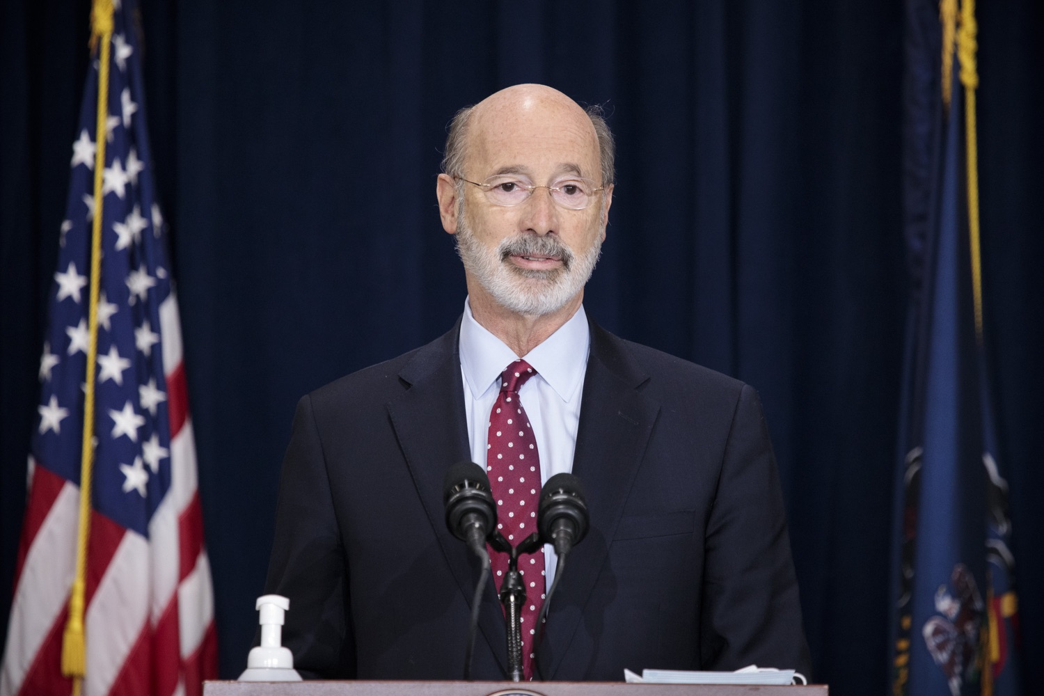 """<a href=""""https://filesource.wostreaming.net/commonwealthofpa/photo/18379_gov_election_update_dz_001.JPG"""" target=""""_blank"""">⇣Download Photo<br></a>Pennsylvania Governor Tom Wolf speaks to the press.  Governor Tom Wolf and Pennsylvania Secretary of State Kathy Boockvar gave an update on the election in Pennsylvania.  NOVEMBER 04, 2020 - HARRISBURG, PA"""