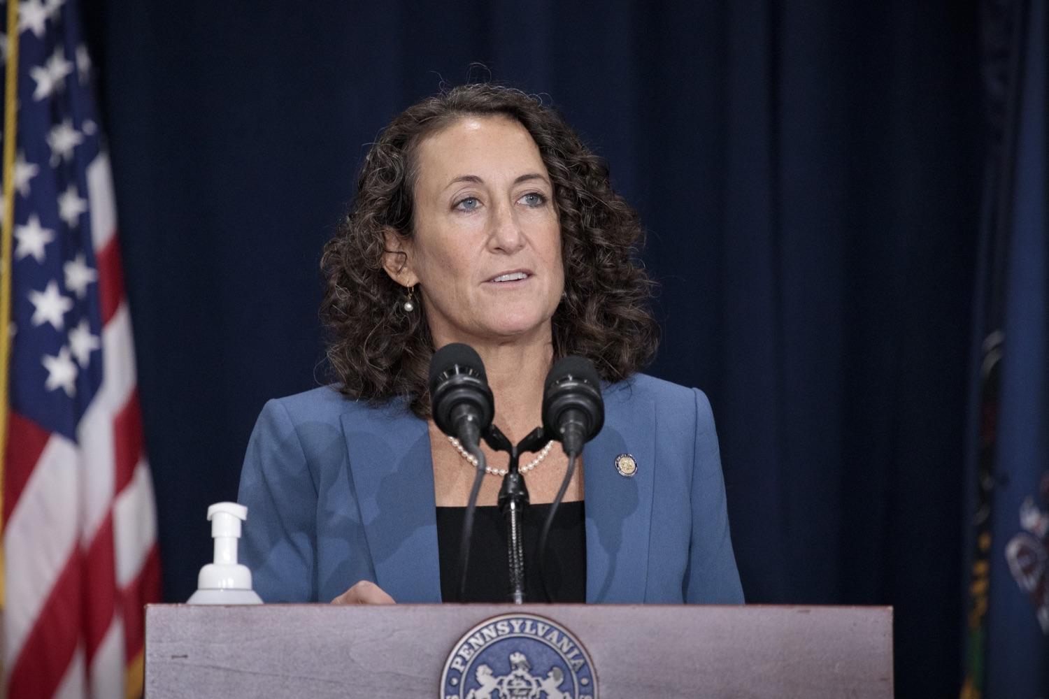 """<a href=""""https://filesource.wostreaming.net/commonwealthofpa/photo/18379_gov_election_update_dz_008.JPG"""" target=""""_blank"""">⇣Download Photo<br></a>Secretary of State Kathy Boockvar answers questions from the press.  Governor Tom Wolf and Pennsylvania Secretary of State Kathy Boockvar gave an update on the election in Pennsylvania.  NOVEMBER 04, 2020 - HARRISBURG, PA"""
