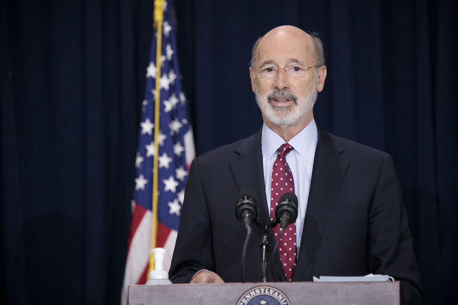 """<a href=""""https://filesource.wostreaming.net/commonwealthofpa/photo/18379_gov_election_update_dz_010.JPG"""" target=""""_blank"""">⇣Download Photo<br></a>Pennsylvania Governor Tom Wolf answers questions from the press.  Governor Tom Wolf and Pennsylvania Secretary of State Kathy Boockvar gave an update on the election in Pennsylvania.  NOVEMBER 04, 2020 - HARRISBURG, PA"""